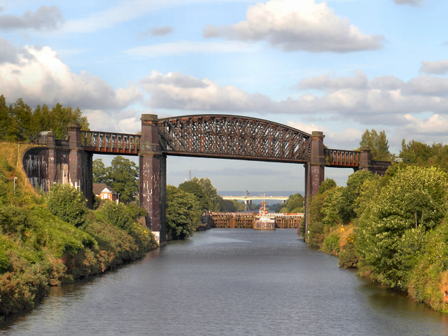 Manchester Ship Canal, Latchford Viaduct and Locks