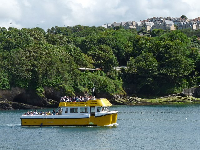 A boat entering the harbour at Ilfracombe