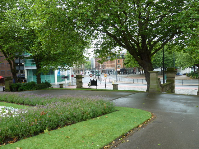 A mid morning visit to St John's Gardens (iv)