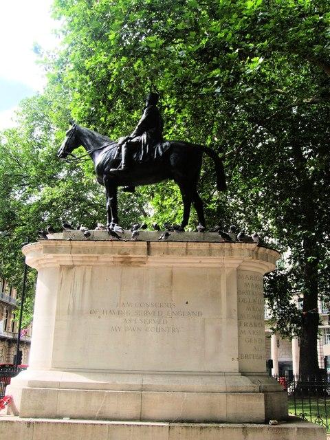 Memorial opposite London Victoria station