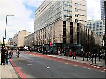 TQ2879 : Buckingham Palace Road by Paul Gillett