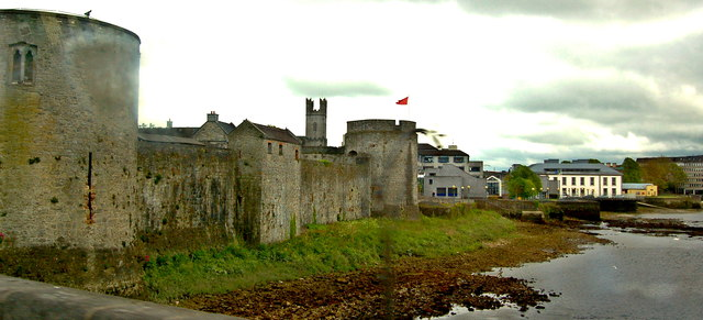 Limerick - Thomond Bridge - King John's Castle