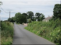 G5119 : Long straight road by Richard Webb