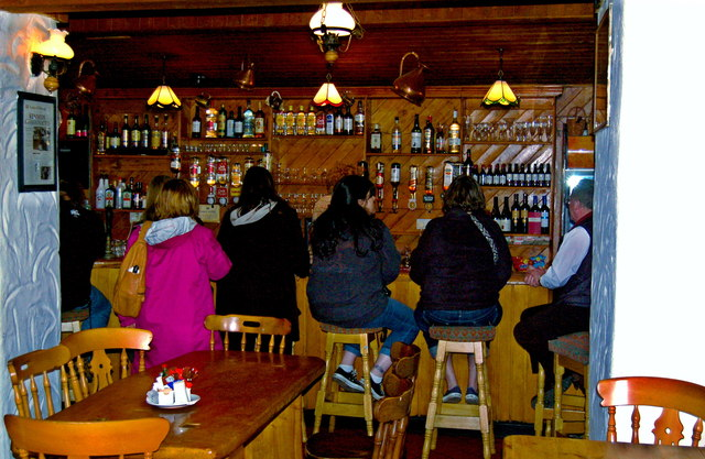 The Burren - Ballyvaghan - R477 - Monk's Seafood Pub & Restaurant - Bar