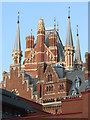TQ3082 : St.Pancras Station, London by Dave Pickersgill