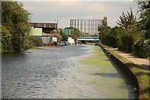 TQ2282 : Grand Union Canal by Richard Croft