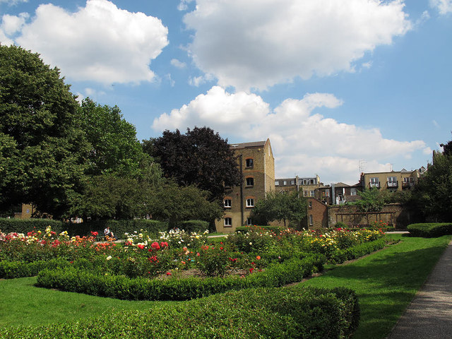 Leathermarket Gardens - rose garden