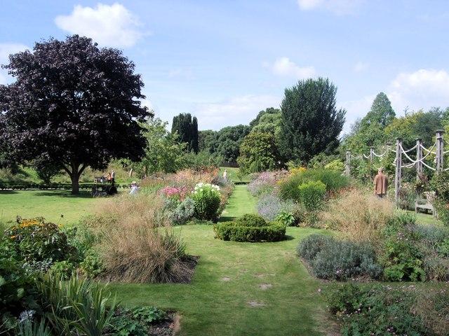 Bishops Palace Gardens, Chichester