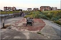 SD3228 : Memorial Bench for Edna Hutchinson by Gerald England