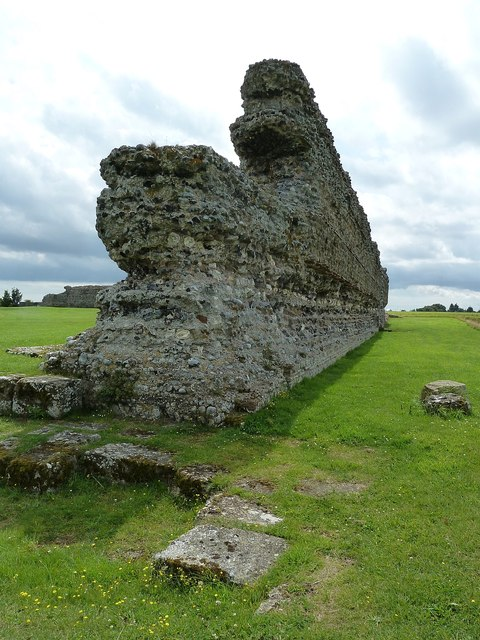 Richborough Castle Roman Fort - western wall (south)