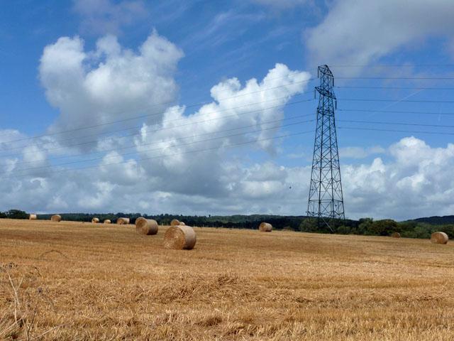 Pylon and straw bales