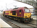 NT2673 : EWS 67019 at Waverley Station by M J Richardson