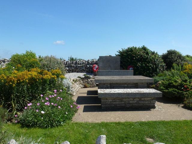 Worth Matravers: Marines memorial and picnic table
