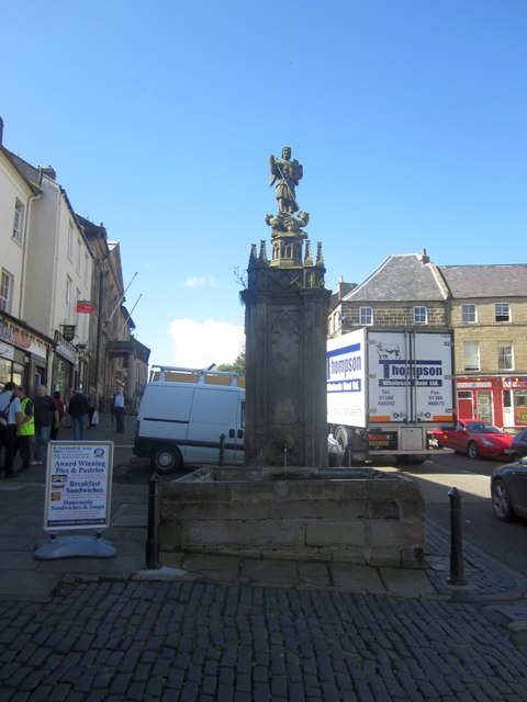 Fountain and trough, Alnwick town centre