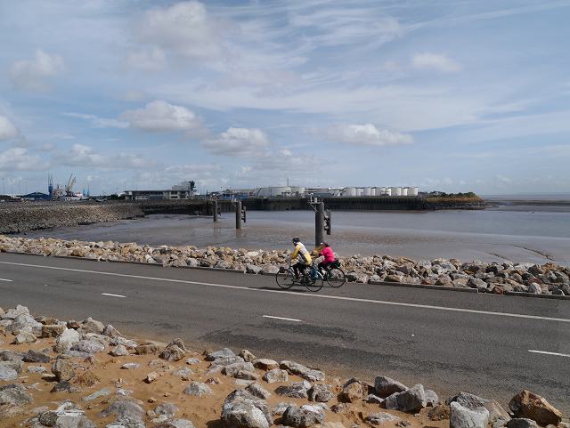 Cycling on the Barrage