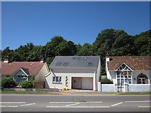 SX9065 : New house, Newton Road, Torquay by Derek Harper