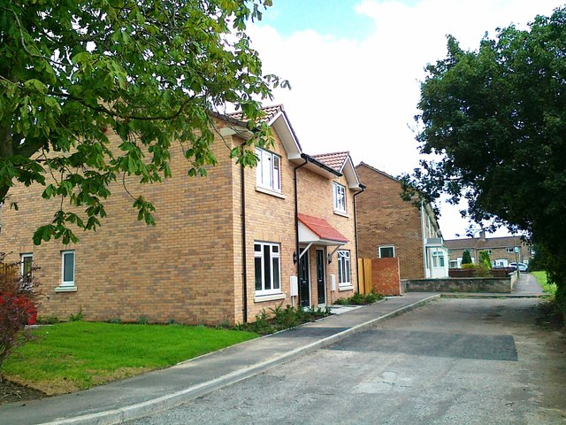 Two new houses,  Chestnut Grove, Upper Studley