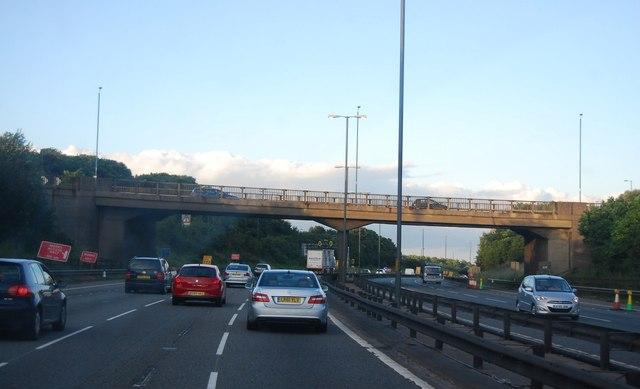 M6, overbridge J7