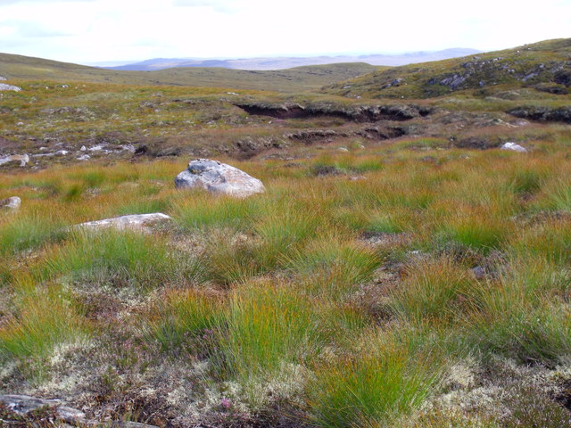 Part of complex watershed area associated with An Cam-allt above Glen Affric