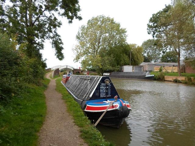 Working Narrow Boat Hadar moored at Braunston