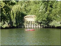 TQ1672 : Kayak by Eel Pie Island by Robin Webster