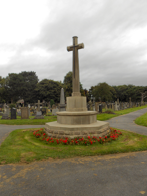 Peel Green Cemetery War Memorial (Cross of Sacrifice)