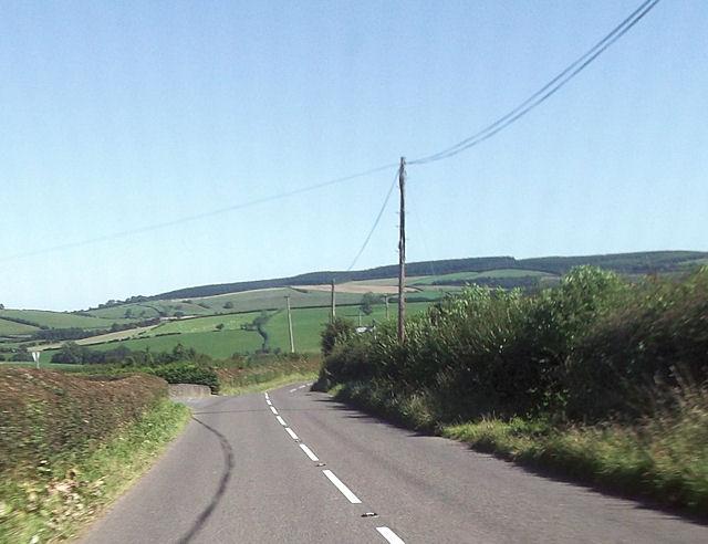 Road junction at Garn Cottages