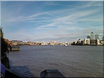 TQ3580 : View of Limehouse and Canary Wharf from the riverside terrace of the Prospect of Whitby pub by Robert Lamb