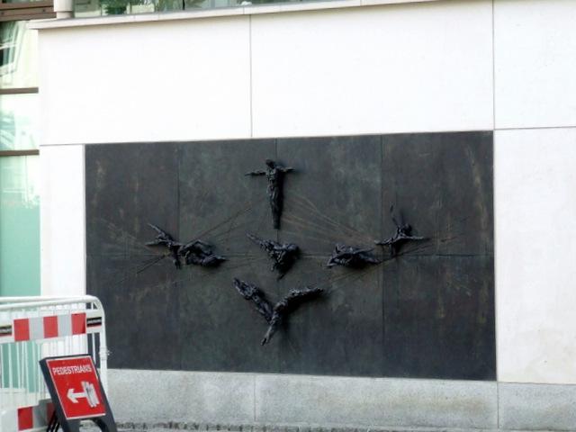Bronze sculpture on Embassy Court