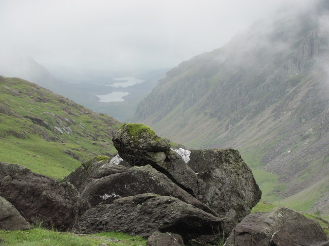 Boulders beside the Pyg Track