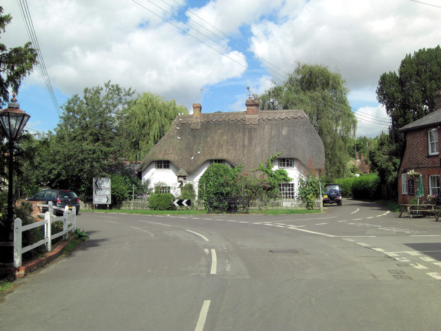 B3048 passes Summerhaugh Cottage