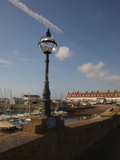 Lamp on Axmouth Bridge