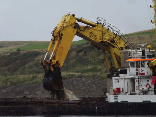 Dredging at Aberdeen Harbour Mouth