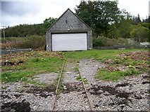 NM9247 : The boathouse serving Castle Stalker by Elliott Simpson