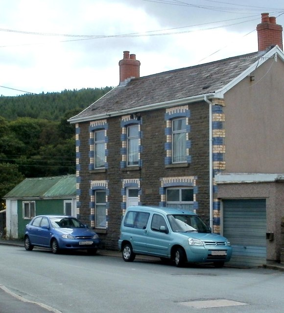 Blues and greens, Abercrave