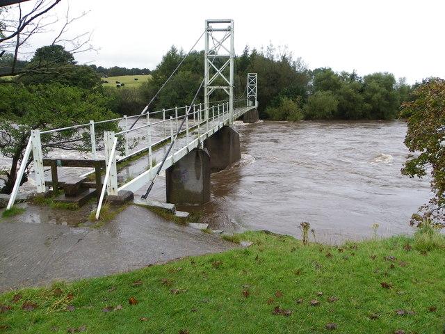 Pedestrian bridge Dinckley over River Ribble
