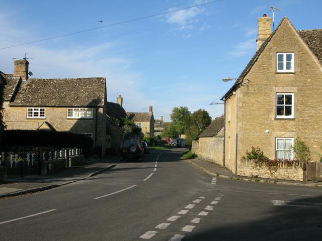 Road junction in Filkins