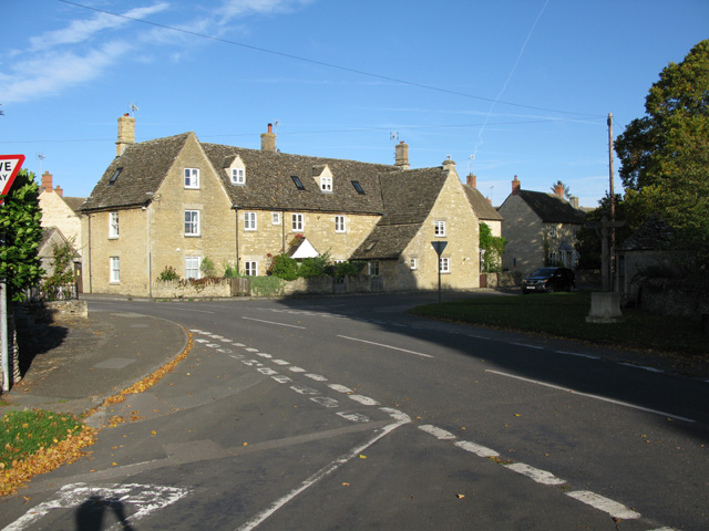 Staggered crossroads in Filkins