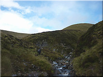 NN6676 : Watersmeet below Meall Uaine by Karl and Ali