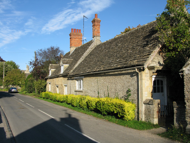 Cotswold stone cottages, Filkins