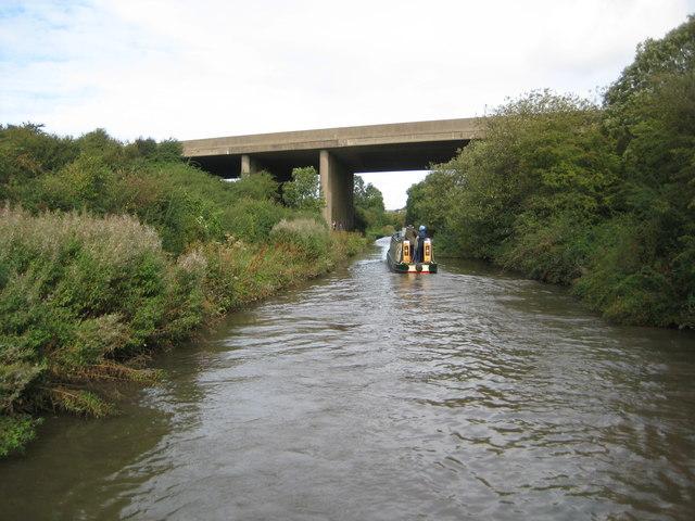 Oxford Canal: M6 Motorway Bridge