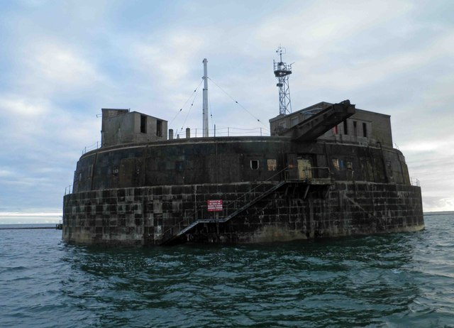 Plymouth harbour's Breakwater Fort