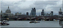 TQ3180 : Blackfriars Bridge by Thomas Nugent