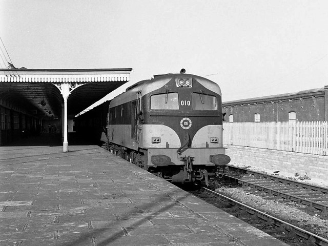 Train in Cobh station