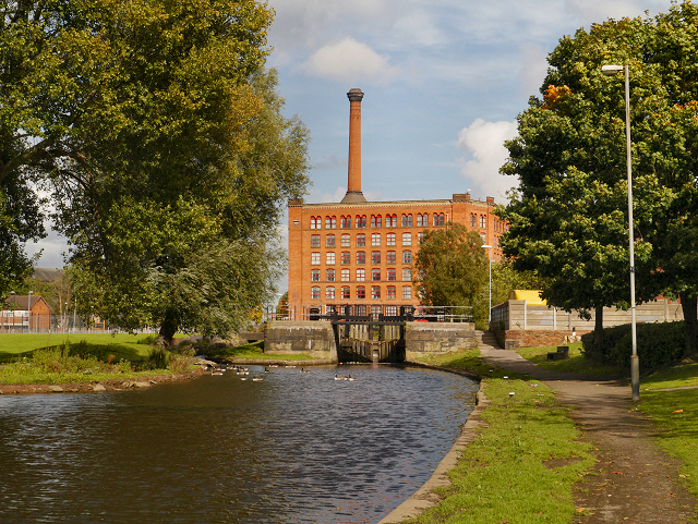 Rochdale Canal and Victoria Mill
