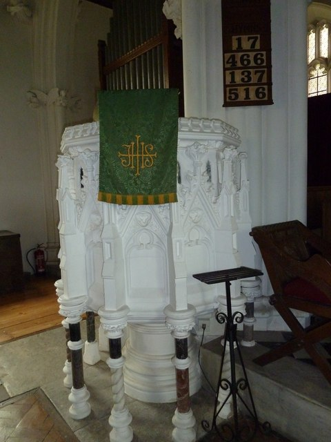 Saint Andrew, Chew Stoke: pulpit