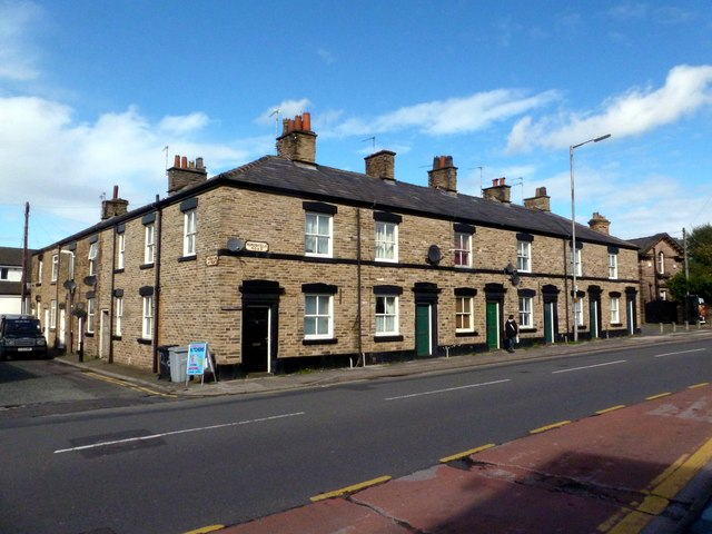 Terraced houses on Hurdsfield Road