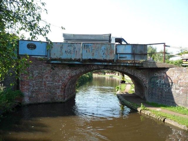Limekiln Bridge, no 17 on the Staffs and Worcs canal