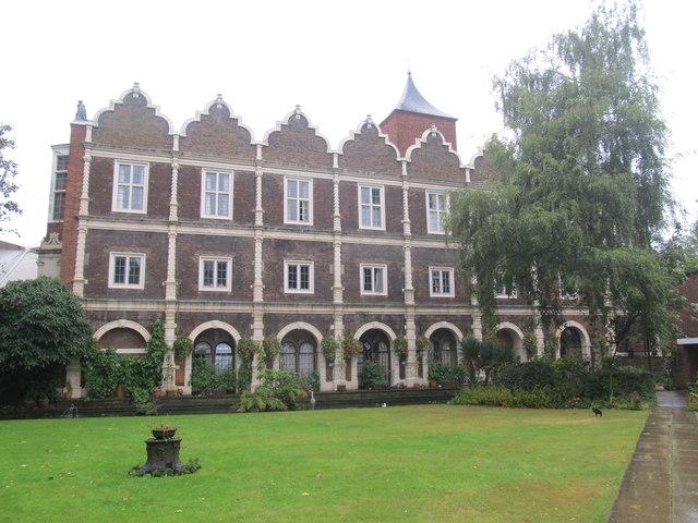 Holland Park Youth Hostel