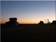 NT6779 : Coastal East Lothian : Daybreak at Winterfield Park, Dunbar by Richard West